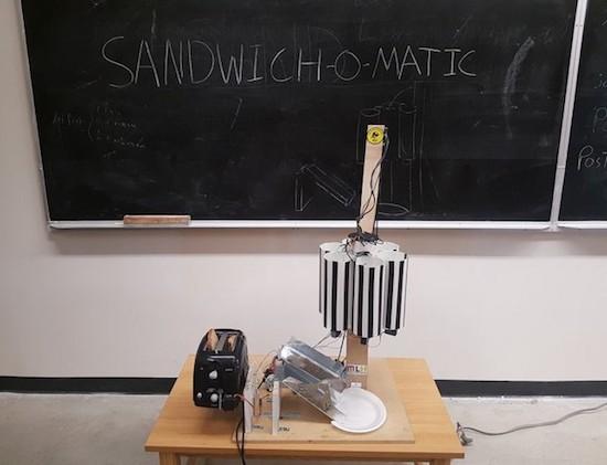 Sandwich-o-matic : La machine à base d'arduino qui réalise des sandwichs à la demande
