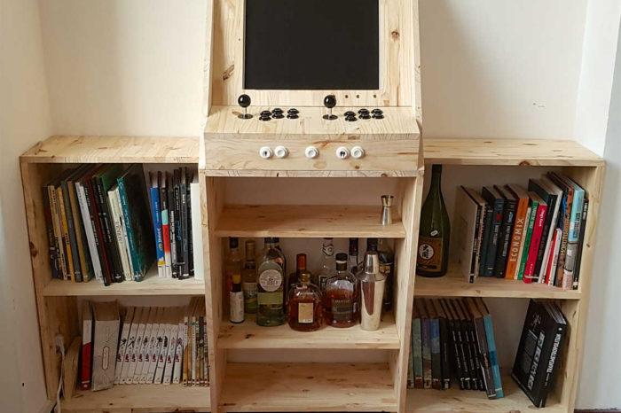 La magnifique borne d'arcade - bar - bibliothèque de Ufunk