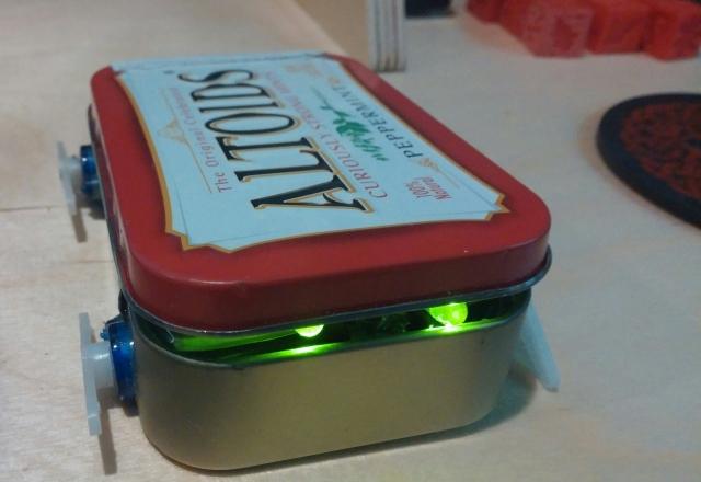 Tiny Tin : Un petit robot qui tient dans une boite d'Altoids