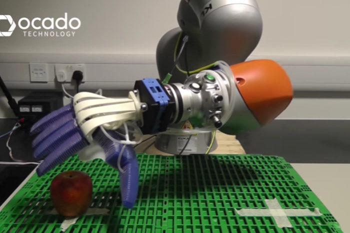 SoMa : La main robotisée qui prend soin de vos fruits et légumes