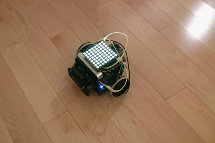 Un robot à base Raspberry PI qui réalise du Light Painting avec une matrice de LED