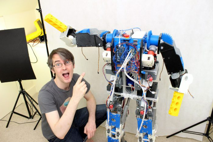 James Bruton décide de rendre le RobotX open-source